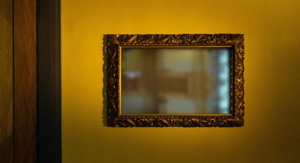how to clean an old mirror